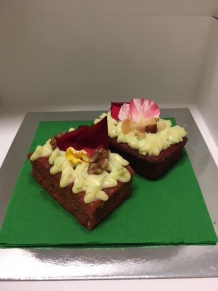 Mini Carrot & Beetroot Cakes