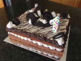 Cookies & Cream Vanilla Cake Slab